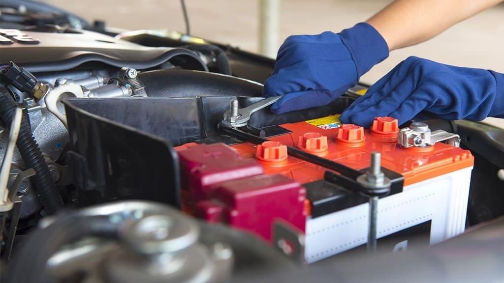 Замена аккумулятора автомобиля Фольксваген в Екатеринбурге